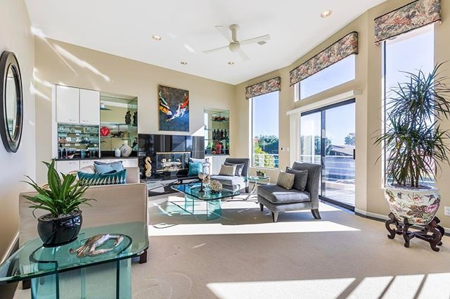 Laguna Beach for the Summer? ☀️ Our luxury, near-oceanfront home is available! You'll love its location & decor! Book it today using the link in our bio! #lagunabeach #vacation #summer #travel #inspiration #traveltips #lagunabeach #airbnb #vacationhome #airconcierge #modernhome #contemporary<br /> https://www.airbnb.com/rooms/16226272